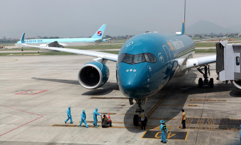 Ban Chỉ đạo quốc gia về phòng, chống dịch Covid-19, Bộ Giao thông vận tải cho phép nhập cảnh trở lại tại sân bay Nội Bài và Tân Sơn Nhất - Ảnh: Tuấn Phùng