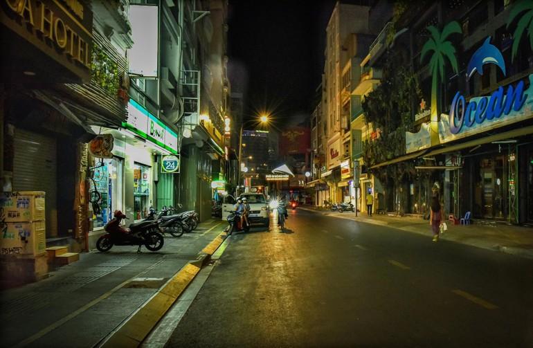 Khoảng lặng của Sài Gòn Covid-19 - Ảnh: Trần Thế Phong
