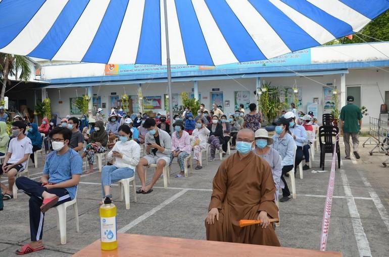 Tại điểm lấy mẫu xét nghiệm số 114 Lê Văn Duyệt, phường 1, quận Bình Thạnh