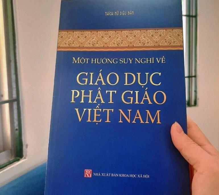 Sách của tác giả Thích nữ Diệu Bản, Ủy viên Hội đồng Trị sự, nguyên Phó Viện trưởng, Trưởng phòng Đào tạo Học viện Phật giáo Việt Nam tại Hà Nội, do NXB Khoa học Xã hội ấn hành