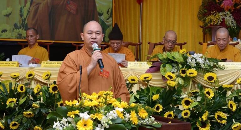 Thượng tọa Thích Đức Thiện phát biểu trong một hội nghị của Trung ương GHPGVN tại TP.HCM - Ảnh: Bảo Toàn/BGN