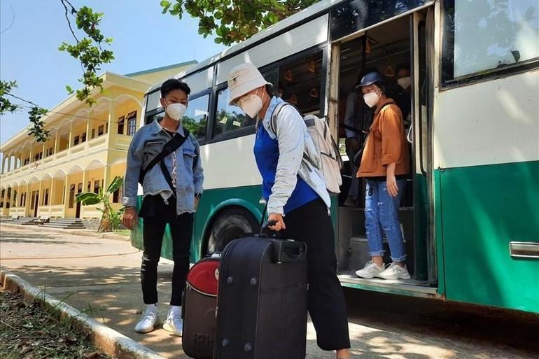 Một số tỉnh thành miền Trung đã lên kế hoạch đón con em về quê hương tránh dịch đang diễn ra phức tạp tại TP.HCM