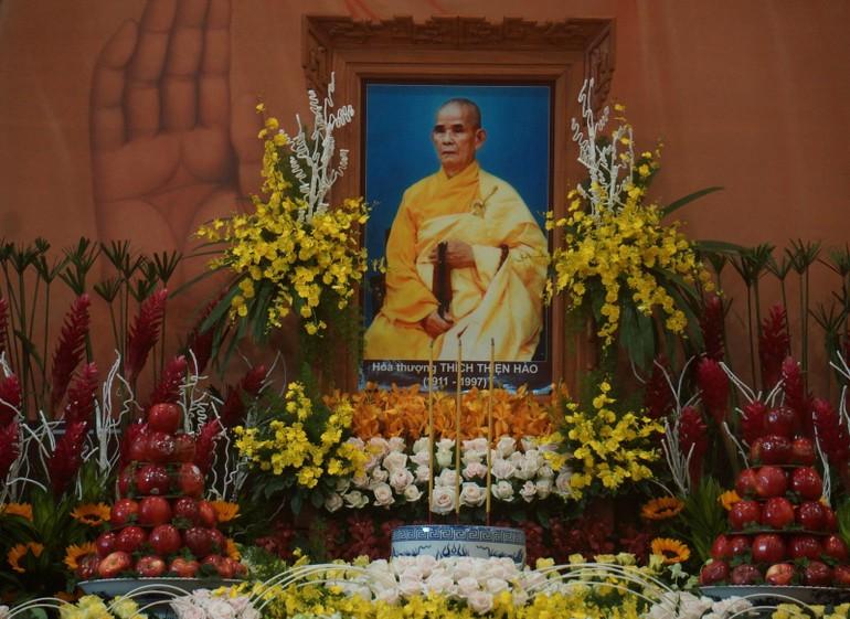 Đại lão Hòa thượng Thích Thiện Hào vị lãnh đạo nối kết tinh thần đoàn kết của Tăng Ni, Phật tử, hết lòng hết sức đóng góp xây dựng đất nước và phát triển của GHPGVN