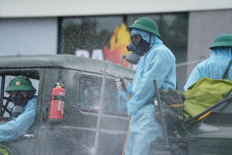 Từ hôm nay 23-7, lực lượng quân đội sẽ phun thuốc khử khuẩn toàn thành phố trong 7 ngày liên tục