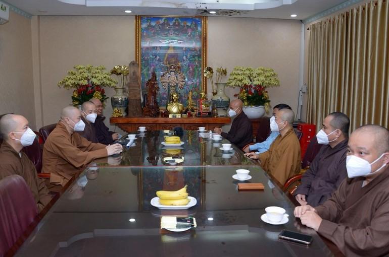Đoàn thăm chùa Vĩnh Nghiêm (Q.3)