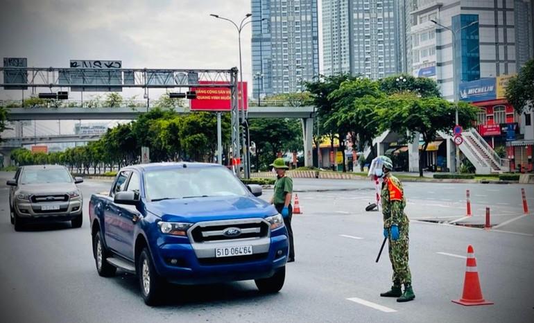 Chính phủ yêu cầu tiếp tục kiểm soát việc đi lại giữa TP.HCM và các tỉnh Long An, Bình Dương, Đồng Nai