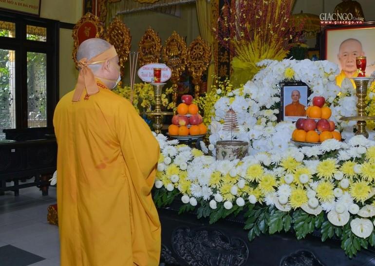 Án tưởng niệm Hòa thượng Thích Minh Thanh tại Tổ đường chùa Vĩnh Nghiêm - Ảnh: Bảo Toàn
