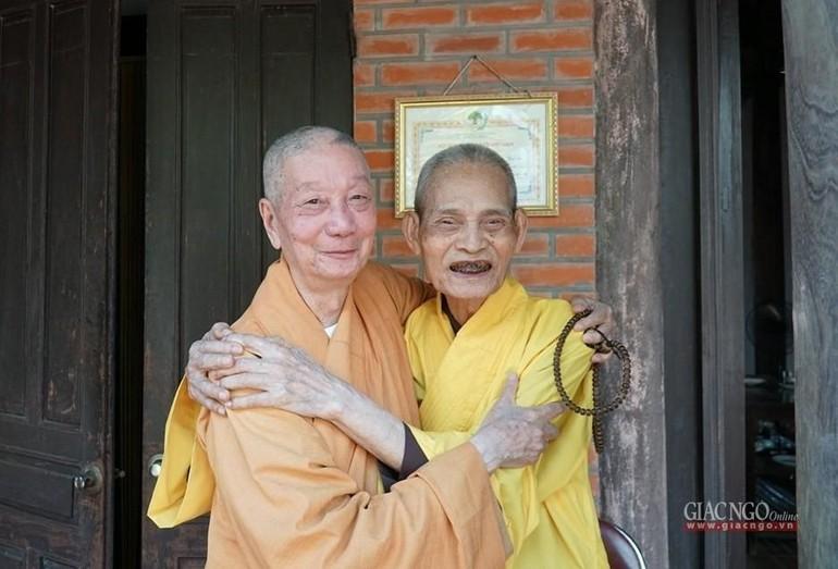 Trưởng lão HT.Thích Phổ Tuệ và Trưởng lão HT.Thích Trí Quảng trong tại Tổ đình Viên Minh, Hà Nội - Ảnh: GN