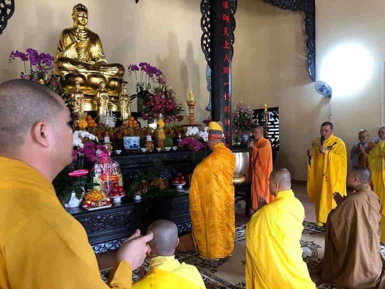 Quang cảnh buổi lễ an vị Phật - Ảnh: Tâm Không Vĩnh Hữu