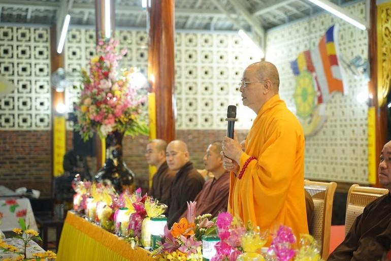 Hoà thượng Thích Huệ Phước phát biểu và chủ toạ chương trình mạn đàm về công tác Hoằng pháp