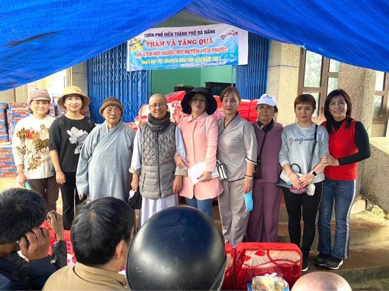 Chùa Phổ Hiền tặng quà tại Tiên Phước - Quảng Nam