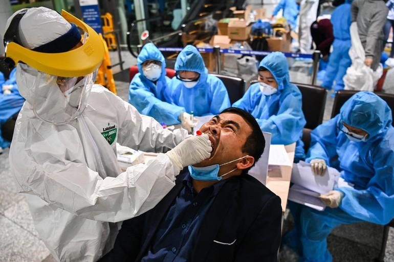 10.000 nhân viên sân bay Nội Bài xét nghiệm Covid-19 tại nhà ga T2, từ 13 giờ ngày 9-2 - Ảnh: VNE