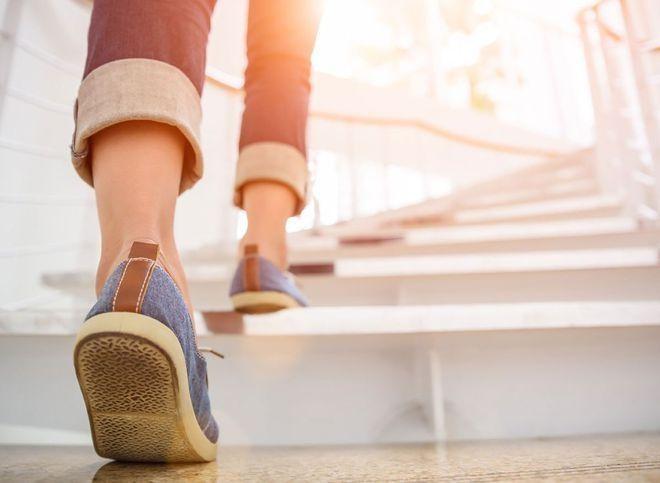 Những người đi bộ hơn 2 giờ mỗi ngày (bao gồm cả tập thể dục và thói quen hằng ngày yêu cầu đi bộ, chẳng hạn như đi bộ ở cửa hàng tạp hóa) và tập thể dục mạnh mẽ hơn chỉ 50 phút mỗi tuần thì không có nguy cơ mắc bệnh tim - Ảnh minh họa: Shutterstock