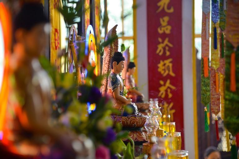 Tôn tượng Phật Dược Sư trang nghiêm tại pháp hội
