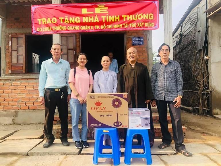 TT.Thích Chơn Tịnh, chùa Thường Quang bàn giao nhà tình thương