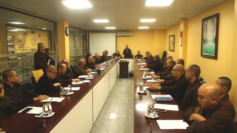 Thượng tọa Thích Thiện Quý nêu tầm quan trọng của phiên họp