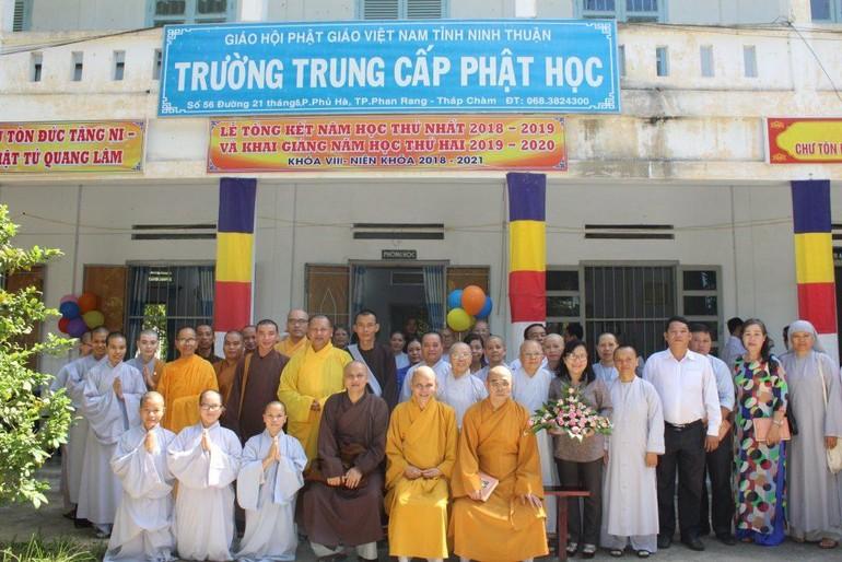 Chư tôn đức Trường Trung cấp Phật học tỉnh Ninh Thuận