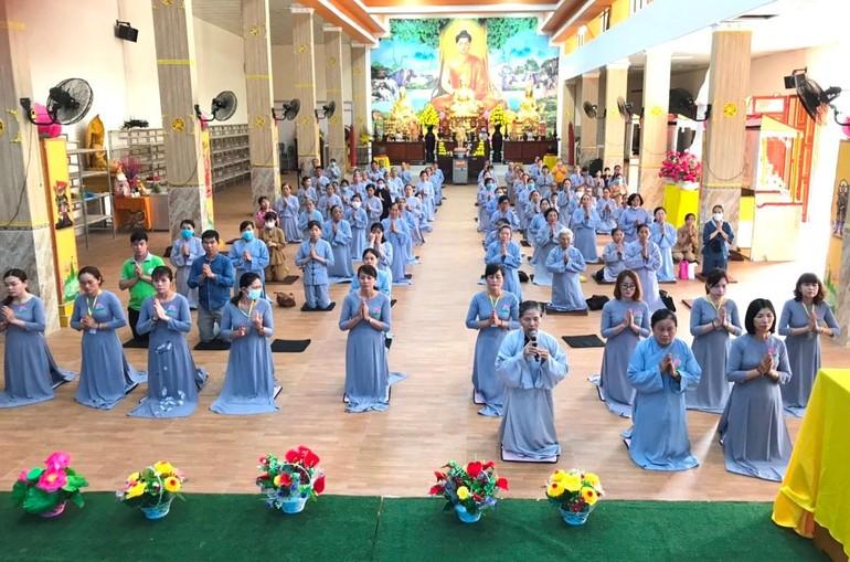 """Hơn 300 Phật tử về chùa tu """"Một ngày phúc lạc"""" tại chùa Trúc Lâm Viên Nghiêm"""