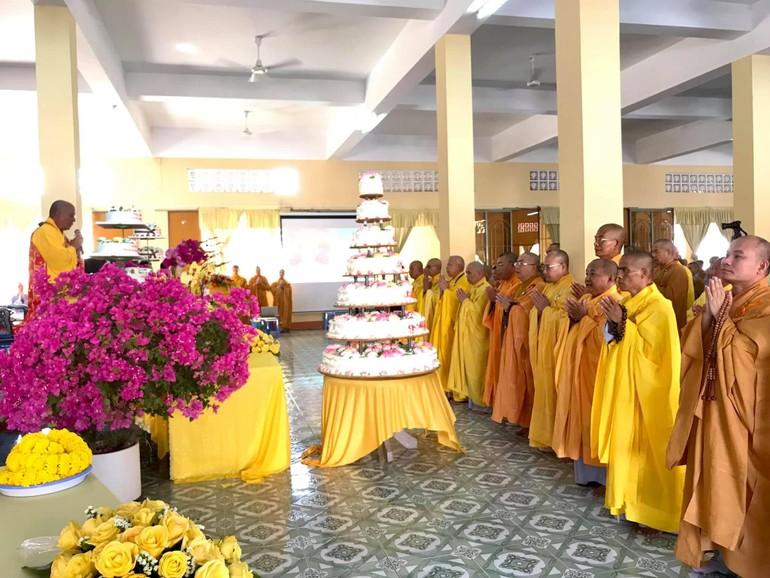 Chúng đệ tử xuất gia, Tăng Ni sinh Trường Cao - Trung cấp Phật học tỉnh khánh tuế Hòa thượng Thích Quảng Hiển