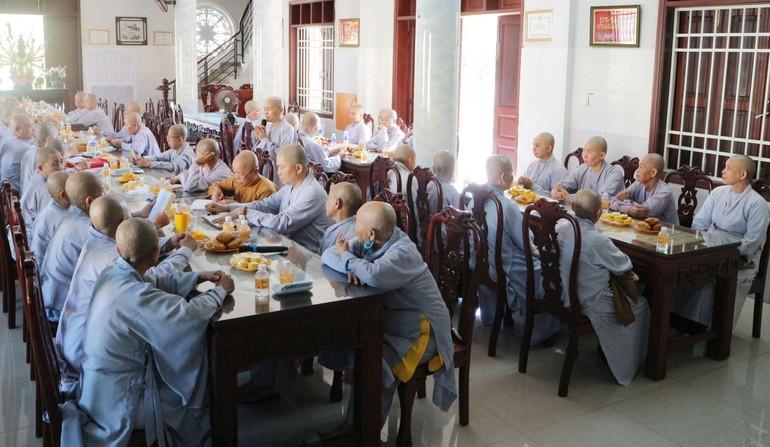 Phân ban Ni giới tỉnh Bến Tre họp định kỳ báo cáo hoạt động Phật sự