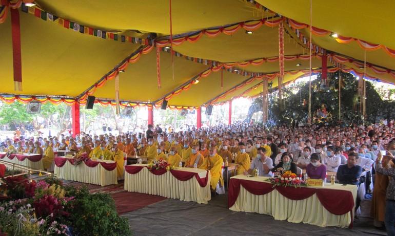 Quang cảnh lễ bổ nhiệm và đặt đá xây dựng chánh điện chùa Đức Lâm