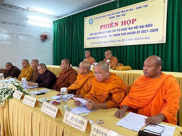 Chư tôn đức chủ tọa hội nghị mở rộng của Ban Trị sự tỉnh Bà Rịa - Vũng Tàu