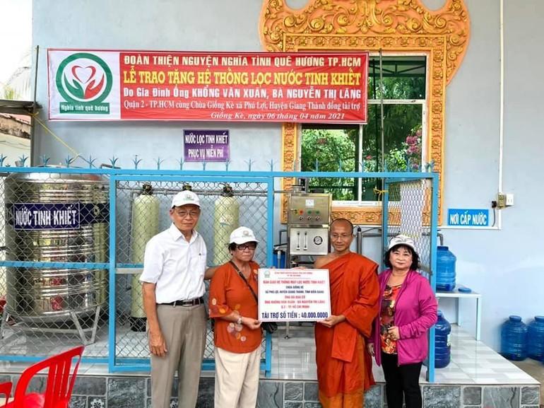 Bàn giao hệ thống máy lọc nước tinh khiết cho cộng đồng
