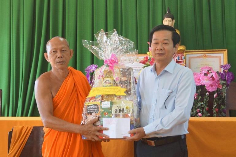 Ông Đỗ Thanh Bình chúc mừng Tết cổ truyền Chôl Chnăm Thmây của đồng bào Khmer