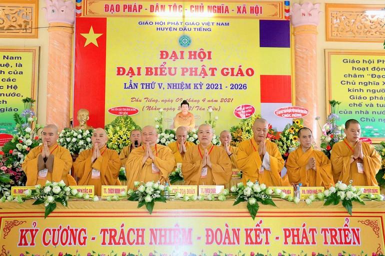 Đại hội đại biểu Phật giáo huyện Dầu Tiếng lần thứ V diễn ra tại tịnh xá Ngọc Thọ