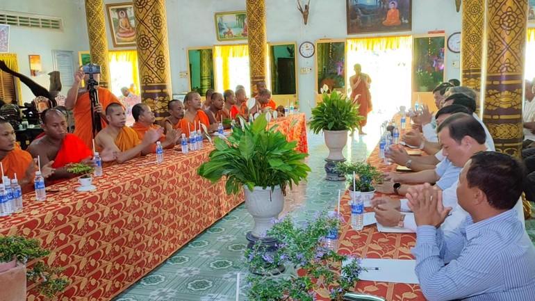 Hội Đoàn kết Sư sãi Yêu nước tỉnh Vĩnh Long đã tổ chức họp tại chùa Hạnh Phúc Tăng
