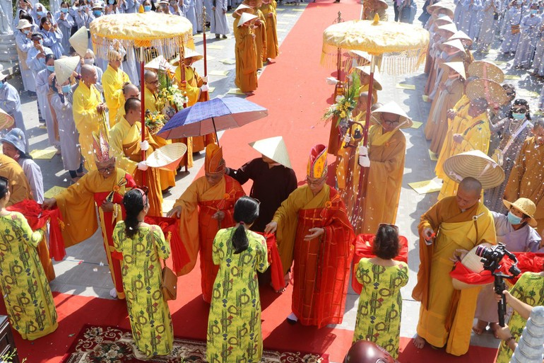Chùa Phước Long diễn ra lễ cắt băng khánh thành vườn đại nguyện