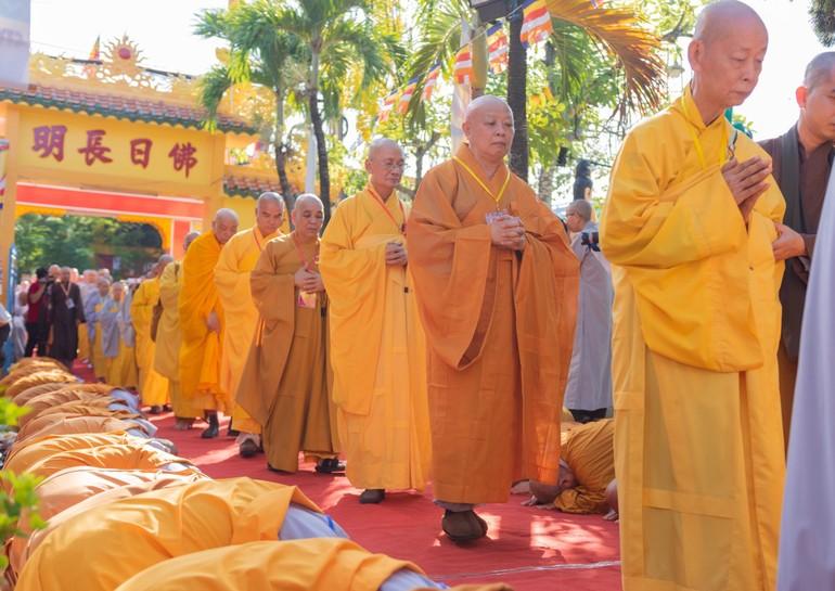 Chư tôn giáo phẩm, chư giới sư quang lâm lễ khai mạc Đại giới đàn Từ Nhơn Phật lịch 2564