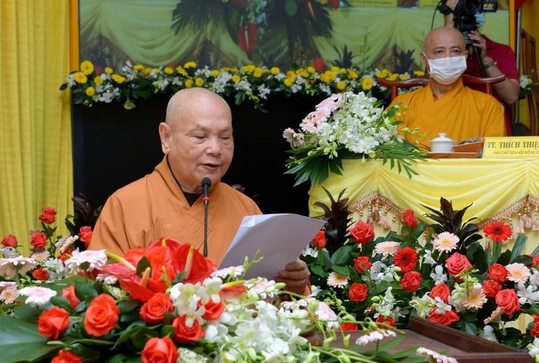 Hòa thượng Chủ tịch Hội đồng Trị sự phát biểu khai mạc hội nghị