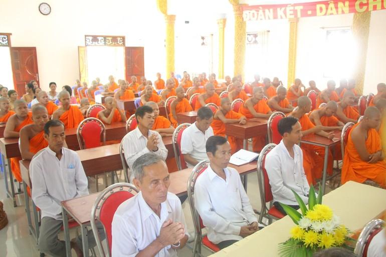 Trường Trung cấp Pali - Khmer tổ chức lễ khai giảng, tổng kết năm học