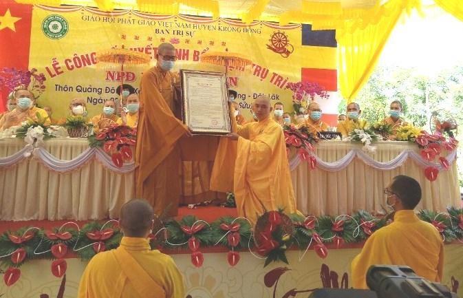 Trao quyết định bổ nhiệm trụ trì niệm Phật đường Phước Thiện đến Đại đức Thích Tịnh Giới