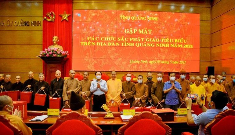 Lần đầu tiên tỉnh Quảng Ninh tổ chức gặp mặt các chức sắc Phật giáo tiêu biểu nhân dịp Đại lễ Phật đản Phật lịch 2565