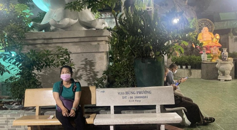Chiều muộn ngày 7-5 chùa Văn Thánh vẫn sinh hoạt bình thường