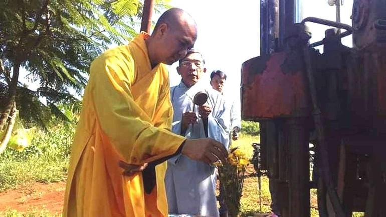 Lễ động thổ khoan giếng nước sinh hoạt cho học sinh Trường Trung học Cơ sở Nguyễn Khuyến
