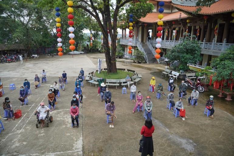 100 hộ khó khăn được tham gia phiên chợ 0 đồng tại chùa Pháp Hoa, phải tuân thủ giãn cách - 5K