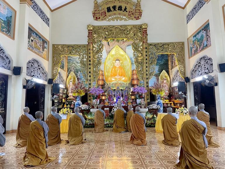 Chư Ni trường hạ trong lễ tác pháp An cư kiết hạ Phật lịch 2565 tại Quan Âm tu viện