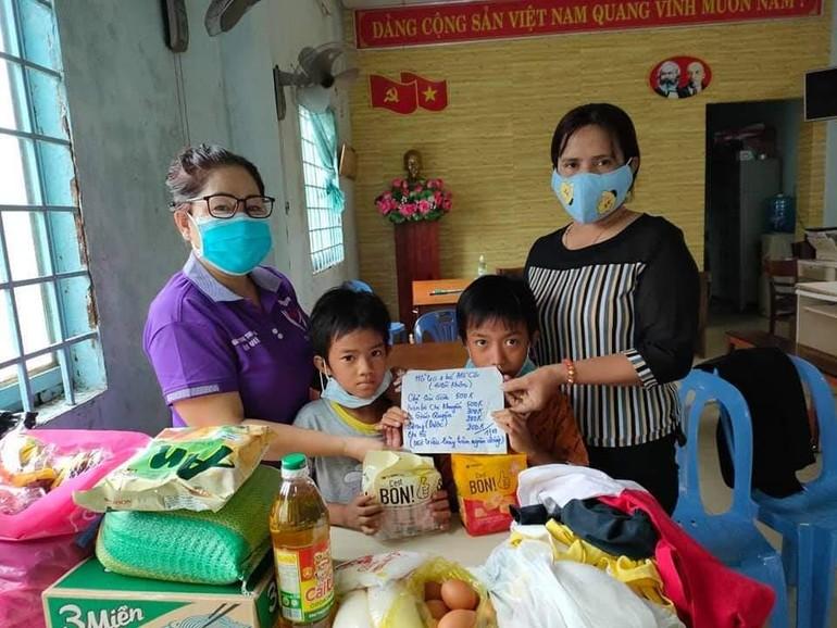 Hội Từ thiện Nhân Ái, TP.Rạch Giá giúp đỡ hai bé mồ côi
