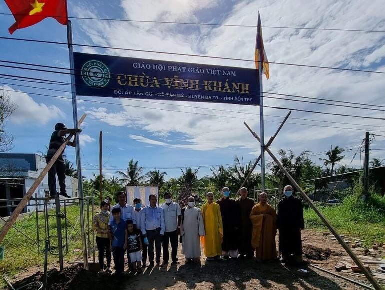 Ban Trị sự GHPGVN huyện Ba Tri tổ chức lễ thượng bảng hiệu chùa Vĩnh Khánh, xã Tân Mỹ