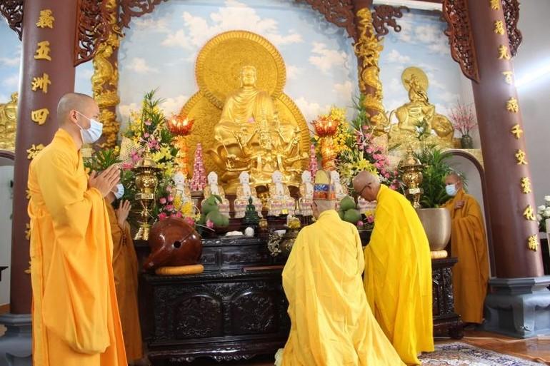 Lễ Cung tiến Giác linh tại chánh điện chùa Dược Sư