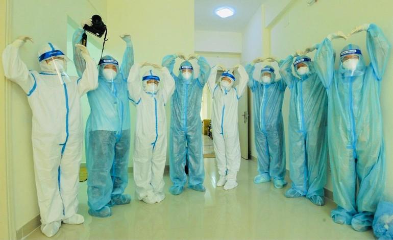 Tình nguyện viên Phật giáo tại Bệnh viện Dã chiến thu dung số 12