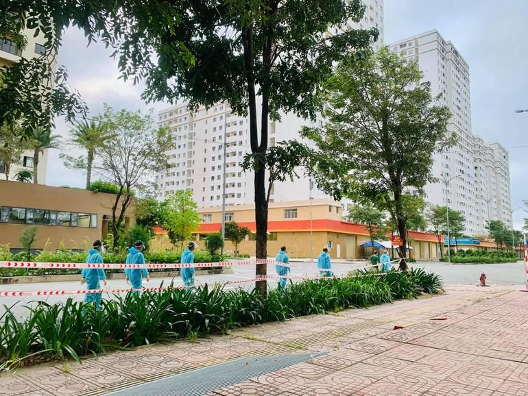 Bệnh viện Dã chiến số 12, nơi Sư cô Thích nữ Nhuận Bình đang làm tình nguyện viên chăm sóc bệnh nhân Covid-19