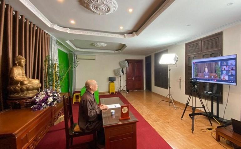 Hòa thượng Thích Bảo Nghiêm, Phó Chủ tịch HĐTS, Trưởng ban Hoằng pháp Trung ương chủ trì buổi họp -Ảnh: MN