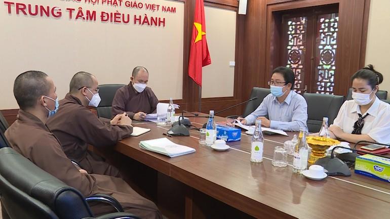 Đại diện Trung ương GHPGVN và Ủy ban Trung ương MTTQVN họp chuẩn bị các nội dung về khen thưởng - Ảnh: AV