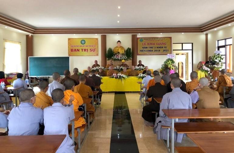 Tăng Ni sinh năm thứ ba - khóa III (2018-2021) Trường Trung cấp Phật học tỉnh Gia Lai