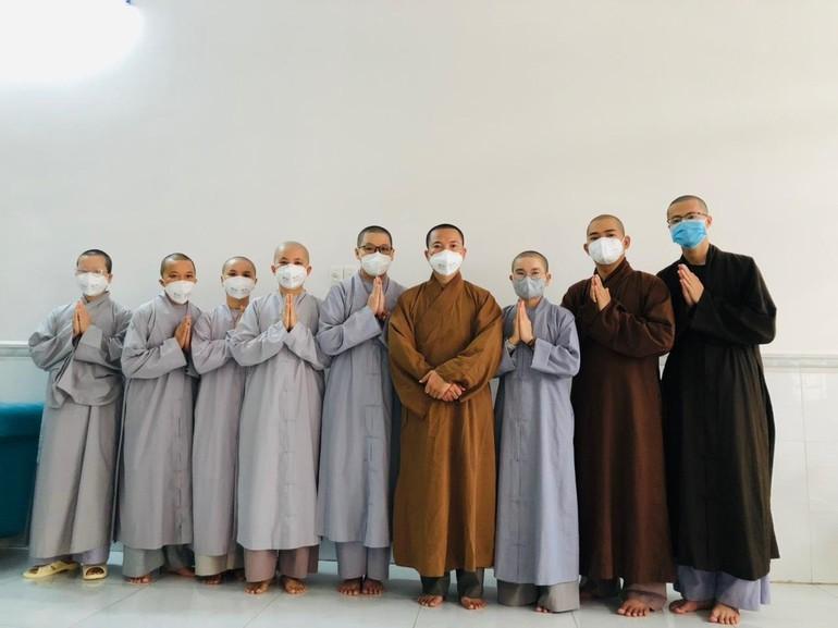 Tình nguyện viên Phật giáo tỉnh Đồng Nai - đợt 1 đang phục vụ tại tuyến đầu chống dịch Covid-19