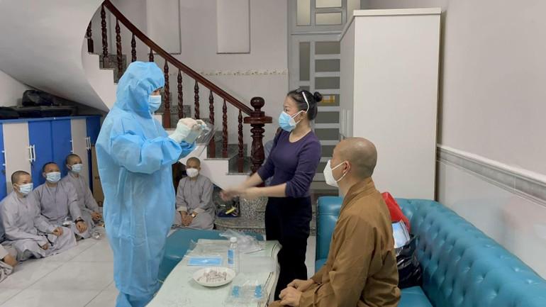 Tình nguyện viên tham gia tuyến đầu chống dịch (đợt 2) tập huấn các kỹ năng